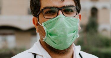 پزشکان ایرانی مشغول به کار در استانبول